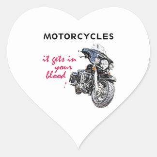 La motocicleta consigue en su sangre pegatina en forma de corazón