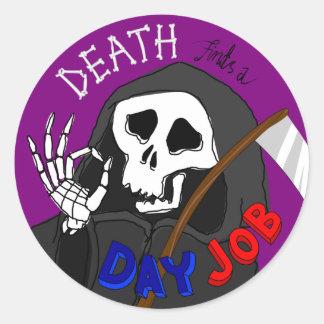 La muerte encuentra a un pegatina del dibujo