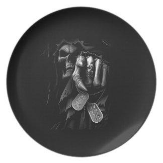 La muerte está viniendo plato para fiesta