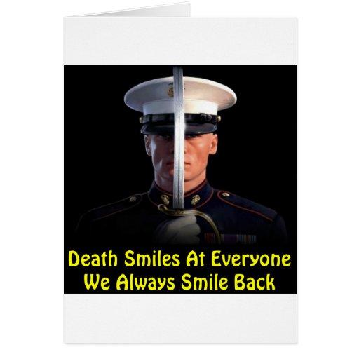 La muerte sonríe en cada uno que sonreímos siempre tarjeta de felicitación