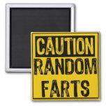 La muestra de la precaución al azar Farts amarillo Imán De Frigorífico