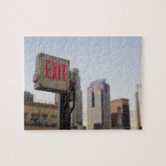 la muestra de la salida brilla intensamente típica puzzle