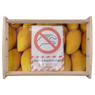 La muestra divertida 'no toca el mango bandejas