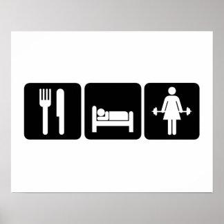 La mujer come pesos de la elevación del sueño