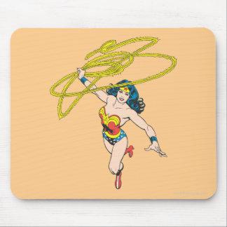 La Mujer Maravilla sostiene el lazo 2 Tapete De Raton