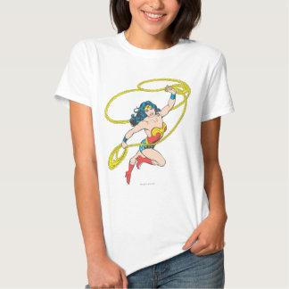 La Mujer Maravilla sostiene el lazo 3 Playeras