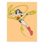 La Mujer Maravilla sostiene el lazo 4 Postales