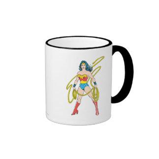 La Mujer Maravilla sostiene el lazo 5 Taza A Dos Colores