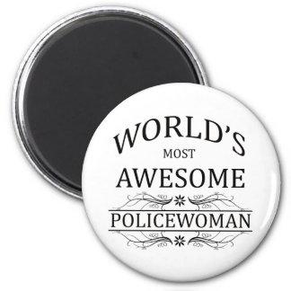 La mujer más impresionante de la policía del mundo imán redondo 5 cm