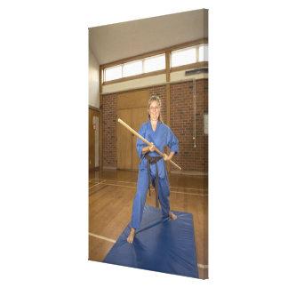 La mujer que se realiza Ken-Hace-Kai karate, Impresión En Lienzo