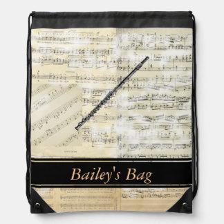 La música de la flauta personalizó la mochila del