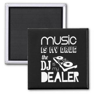 La música es mi droga… que DJ es mi distribuidor Imán Cuadrado