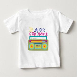 La música es respuesta t-shirt