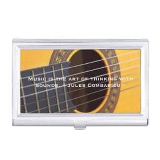 La música está pensando con la guitarra de los cajas de tarjetas de visita