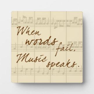 La música habla placas de madera