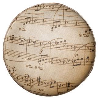 La música observa el fondo
