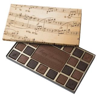La música observa el fondo caja de bombones variados con 45 piezas