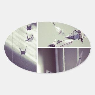 La música observa el móvil de la grúa de Origami Pegatina De Oval Personalizadas