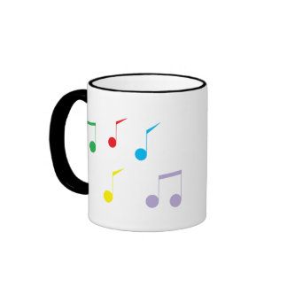 La música observa la taza