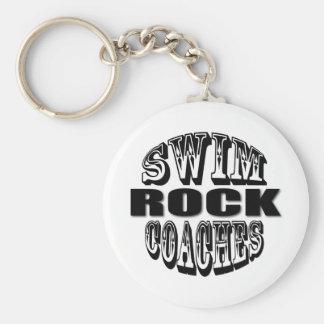 La nadada entrena el regalo de la roca llaveros