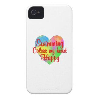 La natación colorea mi corazón feliz funda para iPhone 4 de Case-Mate