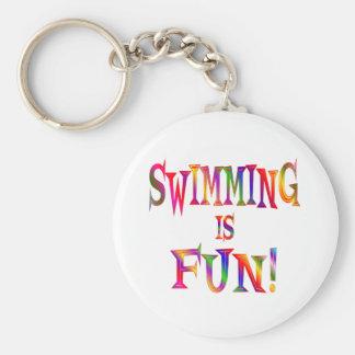 La natación es diversión llavero redondo tipo pin