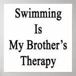 La natación es la mi terapia de Brother Poster