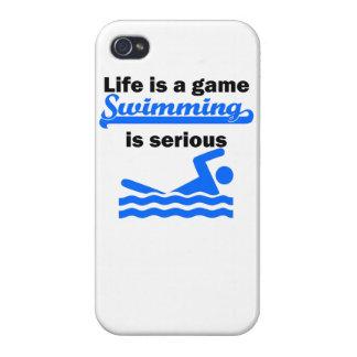 La natación es seria iPhone 4 fundas