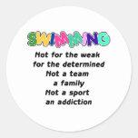 La natación está para el resuelto etiqueta redonda