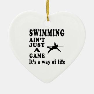 La natación no es apenas un juego que es una maner adorno de navidad