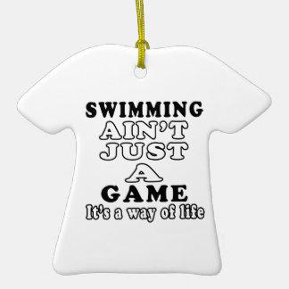La natación no es apenas un juego que es una maner ornamento para arbol de navidad