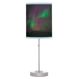 La naturaleza de los árboles de la aurora boreal lámpara de escritorio