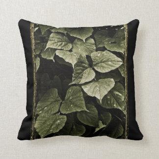 La naturaleza sale de la composición almohadas