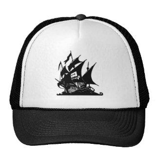La nave del logotipo de la bahía del pirata gorros