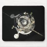 La nave espacial de Soyuz TMA-17 Alfombrilla De Ratones