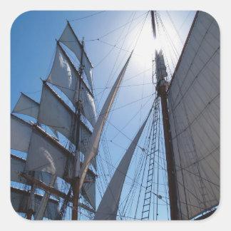 La nave navega al pegatina del cuadrado del fondo