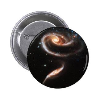 La nebulosa de la galaxia de dos galaxias que obra pin redondo de 2 pulgadas