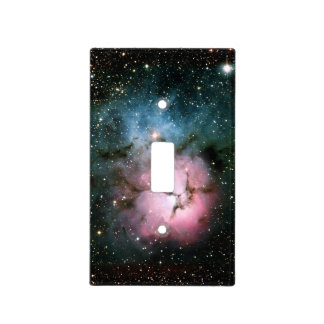 La nebulosa protagoniza la cubierta de interruptor tapa para interruptor