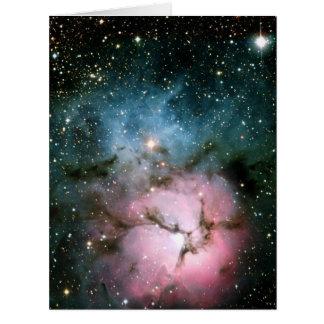 La nebulosa protagoniza la galaxia tarjeta de felicitación grande