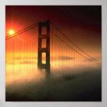 La niebla cubrió Golden Gate Poster