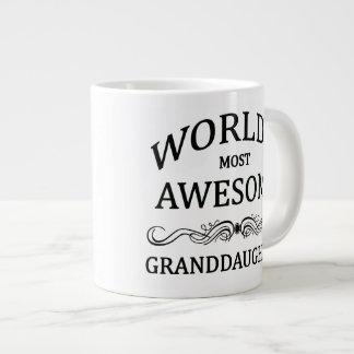 La nieta más impresionante del mundo taza grande