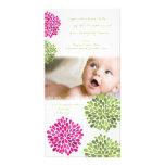 La niña le agradece florece la invitación de la ta tarjeta fotografica personalizada