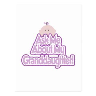 La niña pregunta por mis camisetas de la nieta tarjetas postales