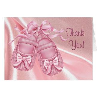 La niña rosada de los botines del satén le agradec