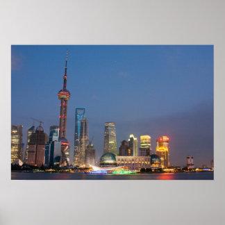 La noche cae en Shangai China Póster