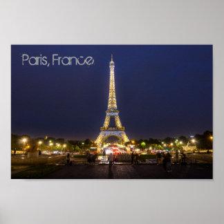 La noche de la torre Eiffel de París enciende el Póster