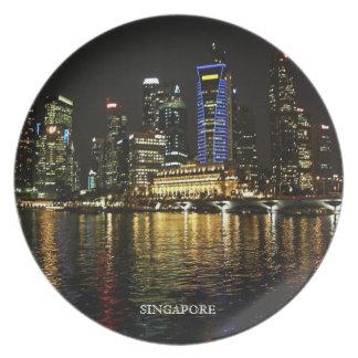 La noche de Singapur enciende la placa Plato Para Fiesta