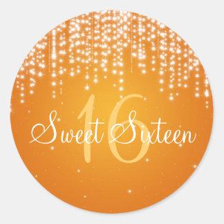 La noche del dulce dieciséis deslumbra el naranja pegatina redonda
