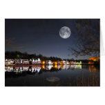 La noche del invierno frío en fila del Boathouse Tarjeta De Felicitación