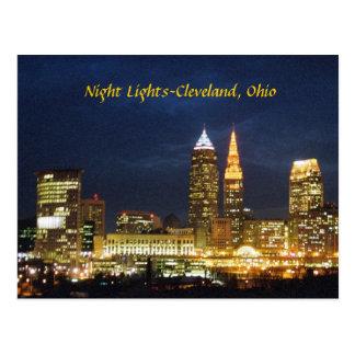 La noche enciende la postal de Cleveland Ohio